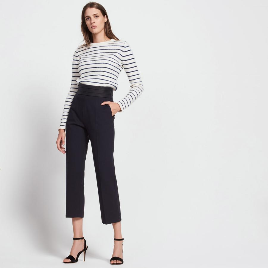 Pull marinière avec Lurex et pantalon avec détail plissé à la ceinture, de chez Sandro