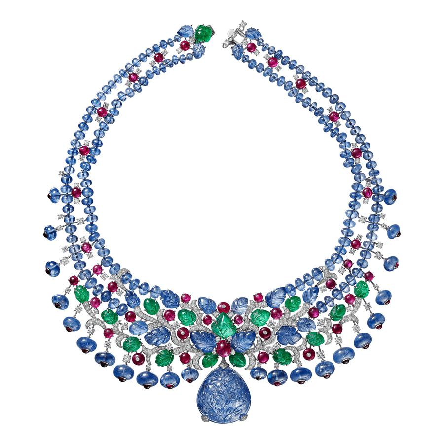 Collection Résonances haute joaillerie Cartier Collier et broche en saphirs, rubis, émeraudes et diamants