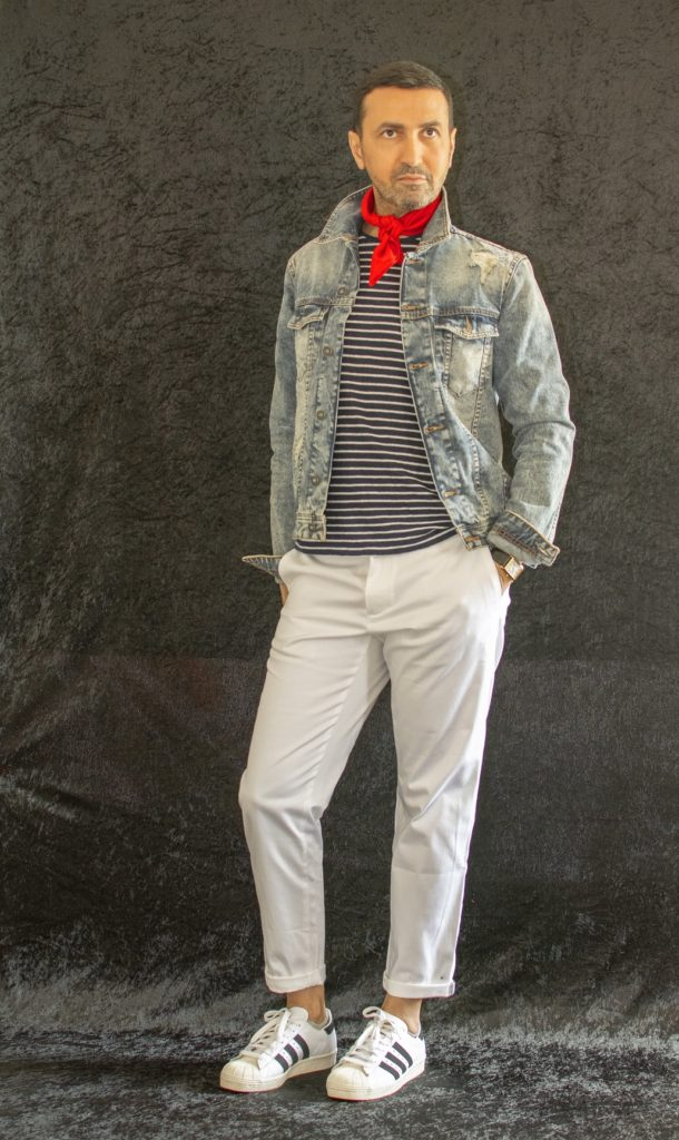 Veillez à bien accorder votre pantalon blanc homme avec d'autres vêtements dont les couleurs vous plaisent et pourraient vous mettre en valeur
