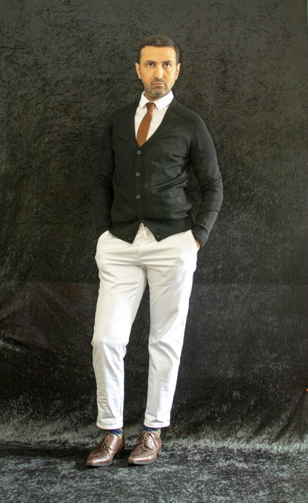 N'ayez pas peur du blanc, dites-vous qu'un pantalon blanc se doit d'être bien coupé en privilégiant les jeans et les pantalons slims.