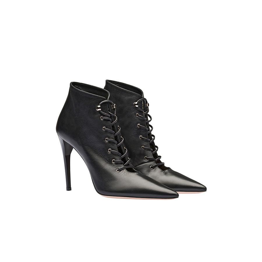 Les chaussures de la rentrée 2018 - Miu Miu Bottines à lacets, Miu Miu, 750 €