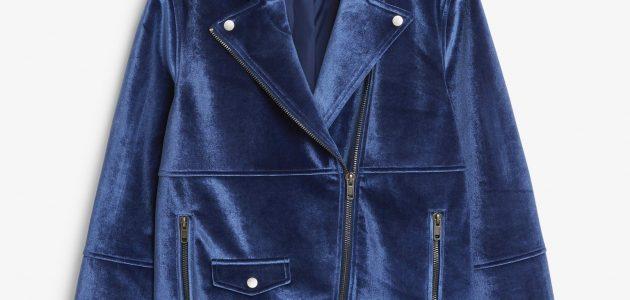 Une veste coupée style perfecto Monki en velours de couleur bleue