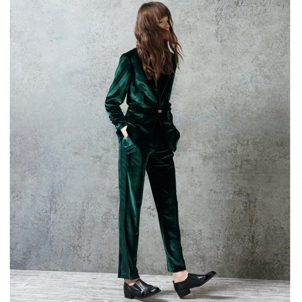 Une combinaison pantalon Monsoon en velours vert olive