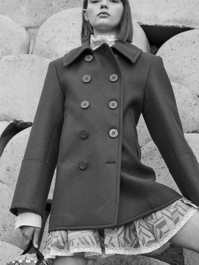 manteaux cabans en laine feutrée à ceinture très chic prix 1650€