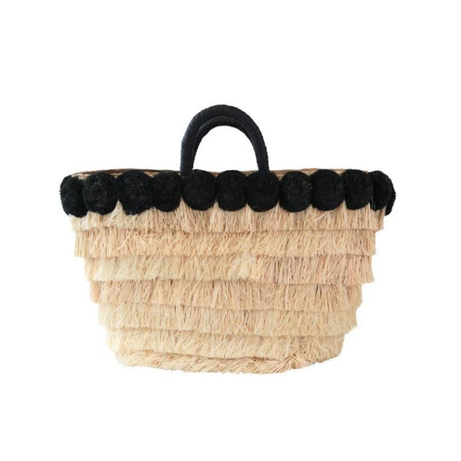 : Paniers, sacs de plage... Les indispensables de l'été - Kayu Sac à franges et pompons en raphia Lucca, Kayu, 166,88 €. Disponible sur kayudesign.com