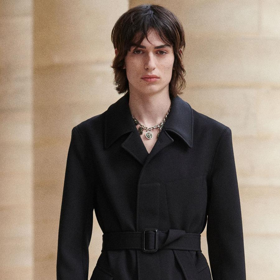 Le collier charm's de la collection Givenchy homme automne-hiver 2019-2020