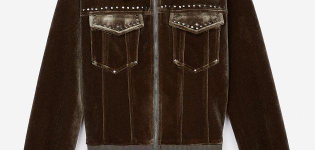 Une veste style bouloson cours arné de strass en velours de chez The Kooples
