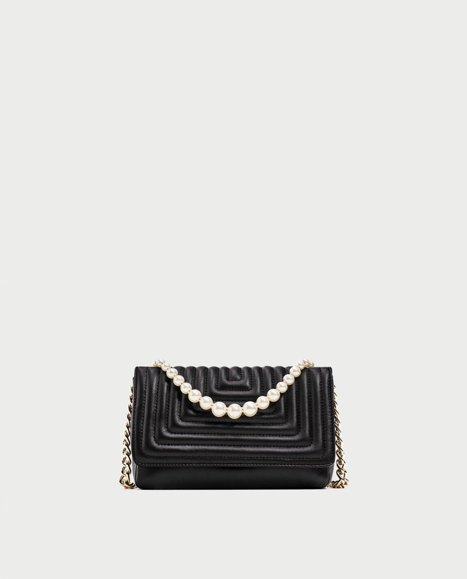 Sac à chaîne avec anse en perle de couleur noir Zara
